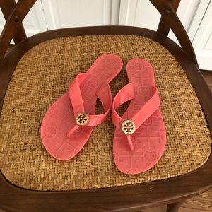 Tory Burch pink jelly flip flops size 6